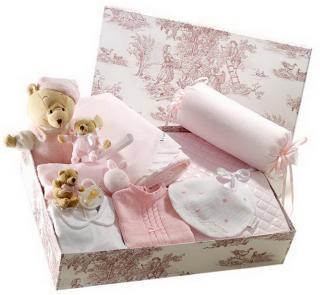 Canastilla de recién nacido color rosa modelo Completita