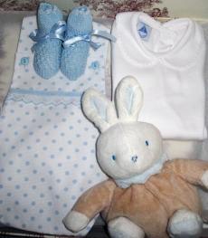 Canastilla de bebe azul modelo Mimosa